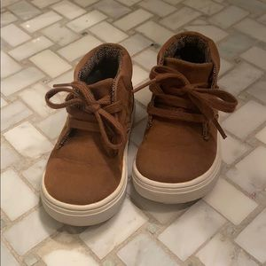 Cat & Jack size 6 adorable high top sneakers.